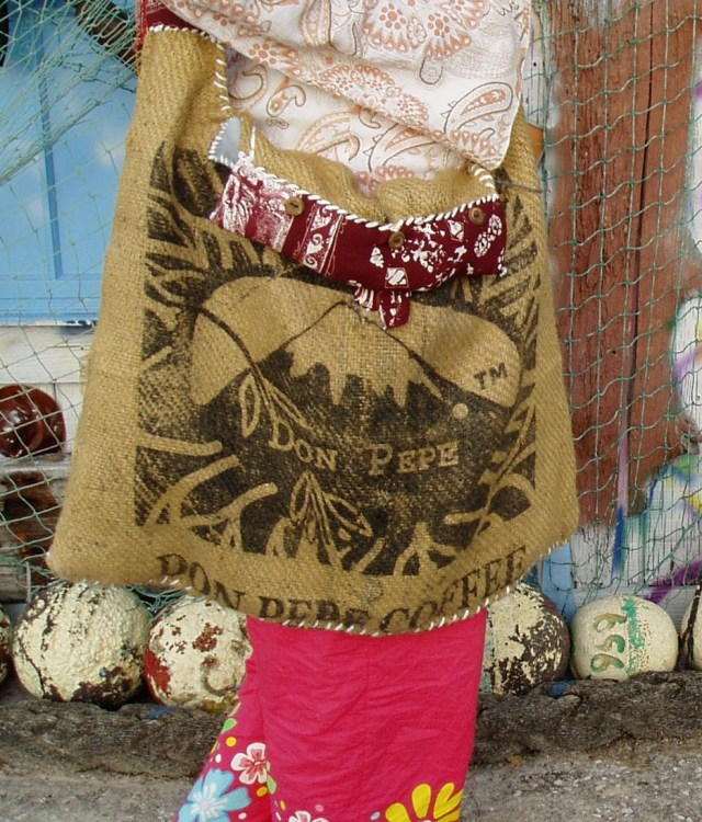 Hippie bags made from reuse burlap.